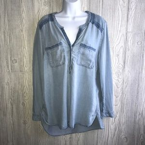 Eddie Bauer Chambray Half Button Hi-Lo Top